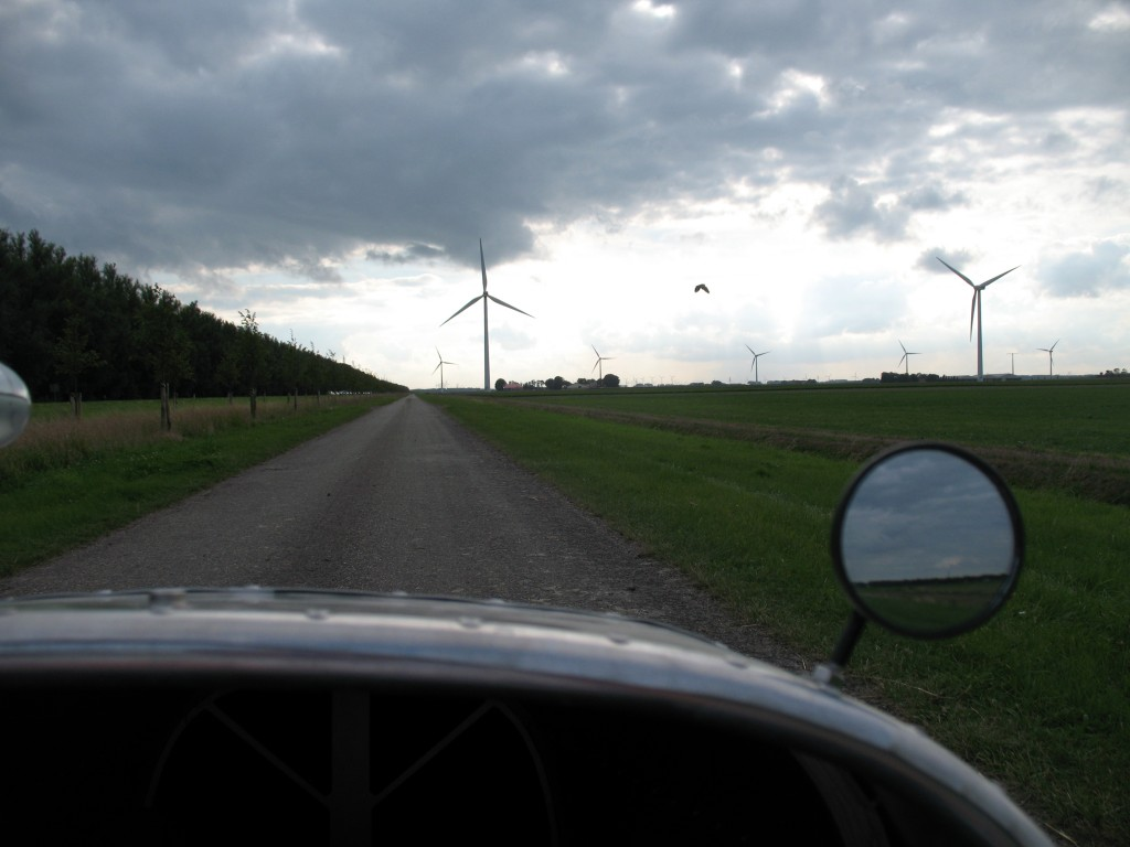 Photo taken from an Alleweder A4 on a farm road approaching Harderwijk