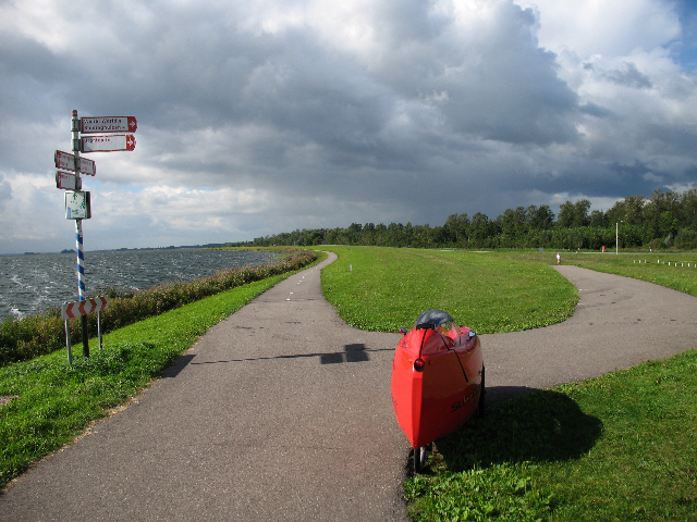 Photo of Sunrider Velomobile looking along Harderdijk